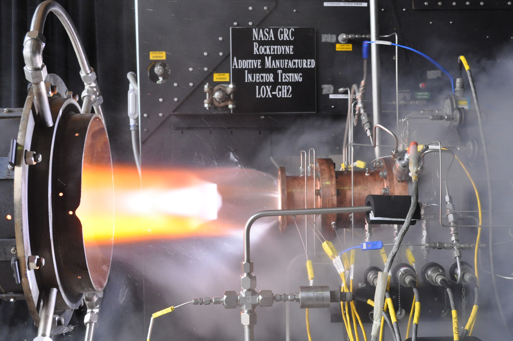 Nasa industry test 3d printed rocket engine injector for Nasa additive manufacturing