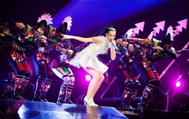 Opening scene of the Prismatic World Tour featuring Katy Perry and backing dancers wearing Stratasys 3D printed mohawks. Photography by Jason Williamson